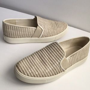 Vince Leather loafers slip ons